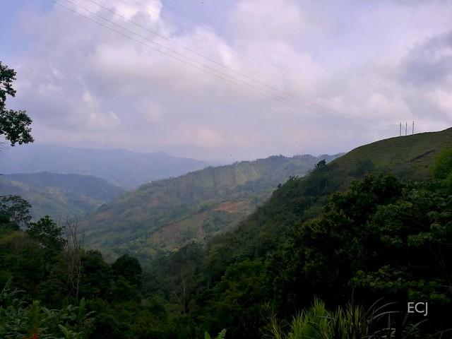 El ascenso, calientes montañas de Puriscal / The ascent, hot mountains of Puriscal municipality