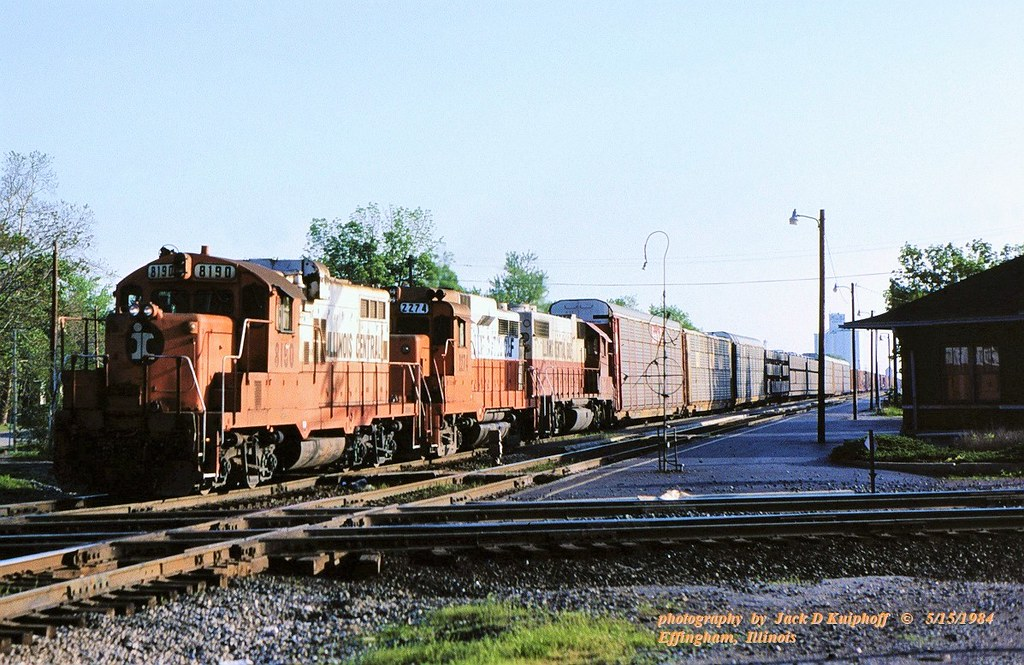 IC 8190-2274-2632, sb Effinghan, IL. 5/15/1984