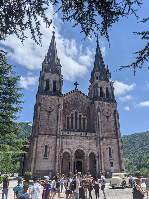 Covadonga_Cathedral