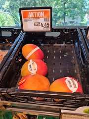 Malawi friends - imagine paying over 4 USD for 1 mango? Eish! How to justify a holiday in December in Malawi? Let me see... If I eat over 500 mangoes during my stay?