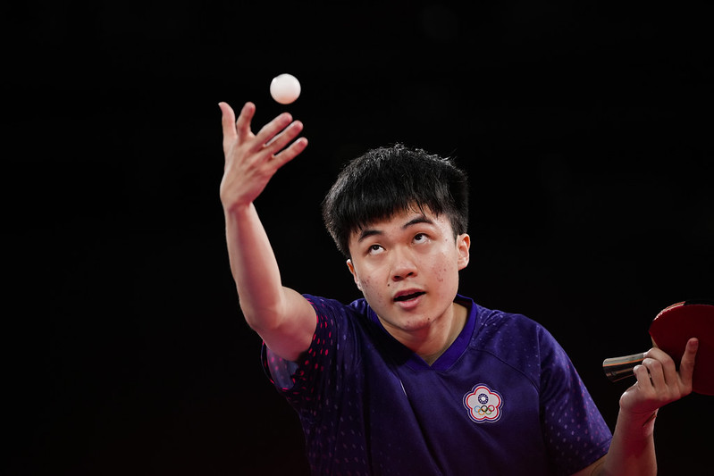 林昀儒4強戰發球。(達志影像)
