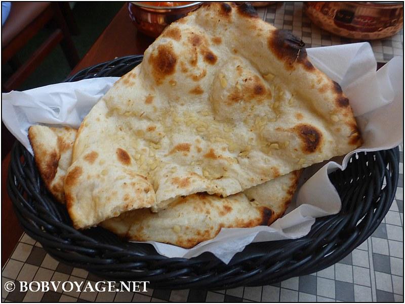 נאן שום – Garlic Naan (15 ₪) ב- Gorkha Kitchen
