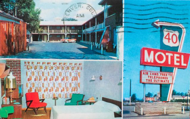 Motel Postcards, Buildings