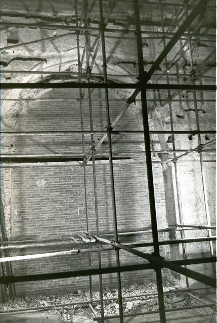 El acceso a la capilla de Santa Bárbara tapiado