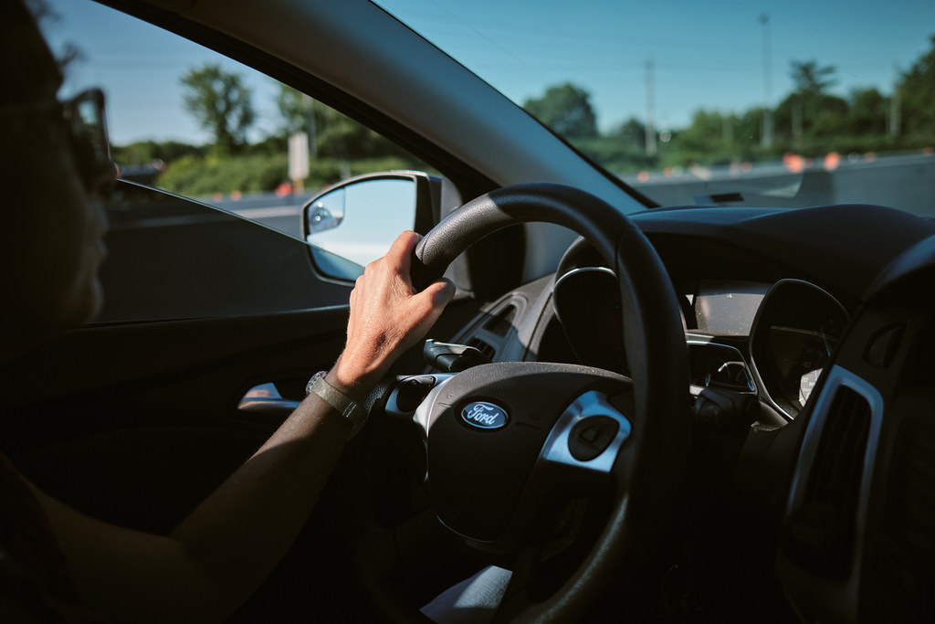 209/365 : Eyes on the road and hand on the wheel