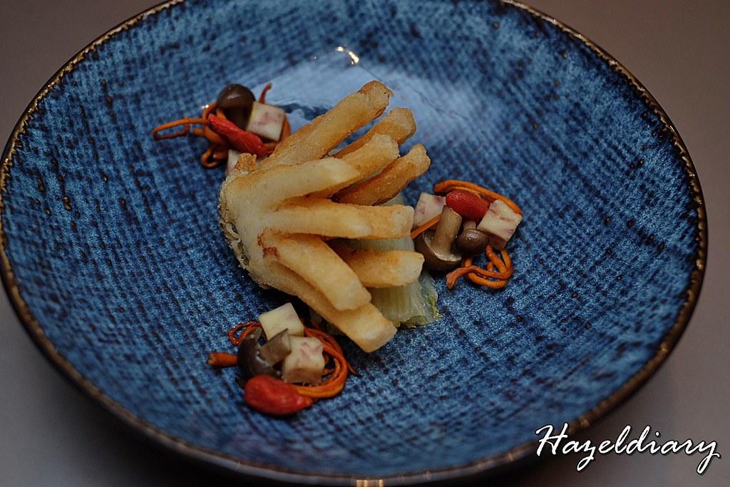 Si Chuan Dou Hua-Deep Fried Cod with Cordyceps Flower in Homemade Soybean Stock