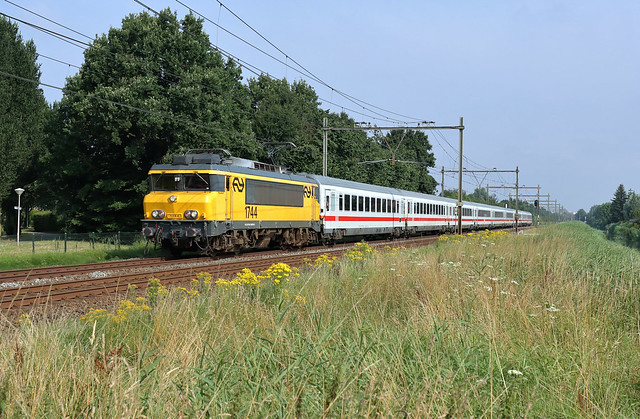 NS 1744 @ Zwolle