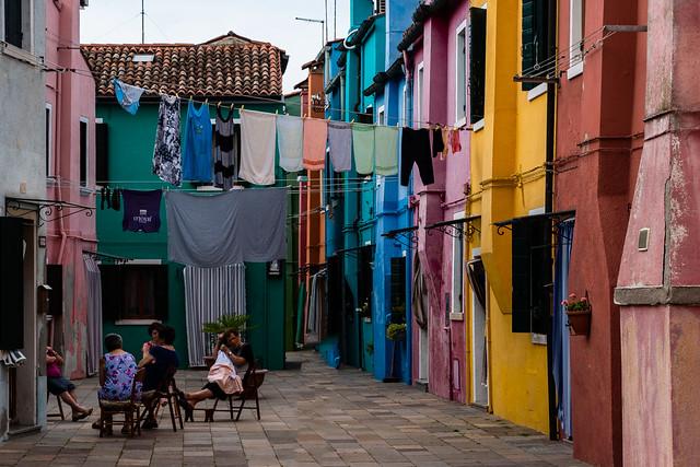 Quatro ciacole tra i colori de Burano.