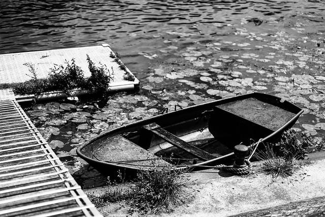 Je t'emmènerai sur la Seine dans cette petite barque pour essayer de te faire oublier la mer.*[Explored 2021 July, 29th]