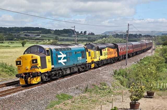 37025 'Inverness TMD' 37219