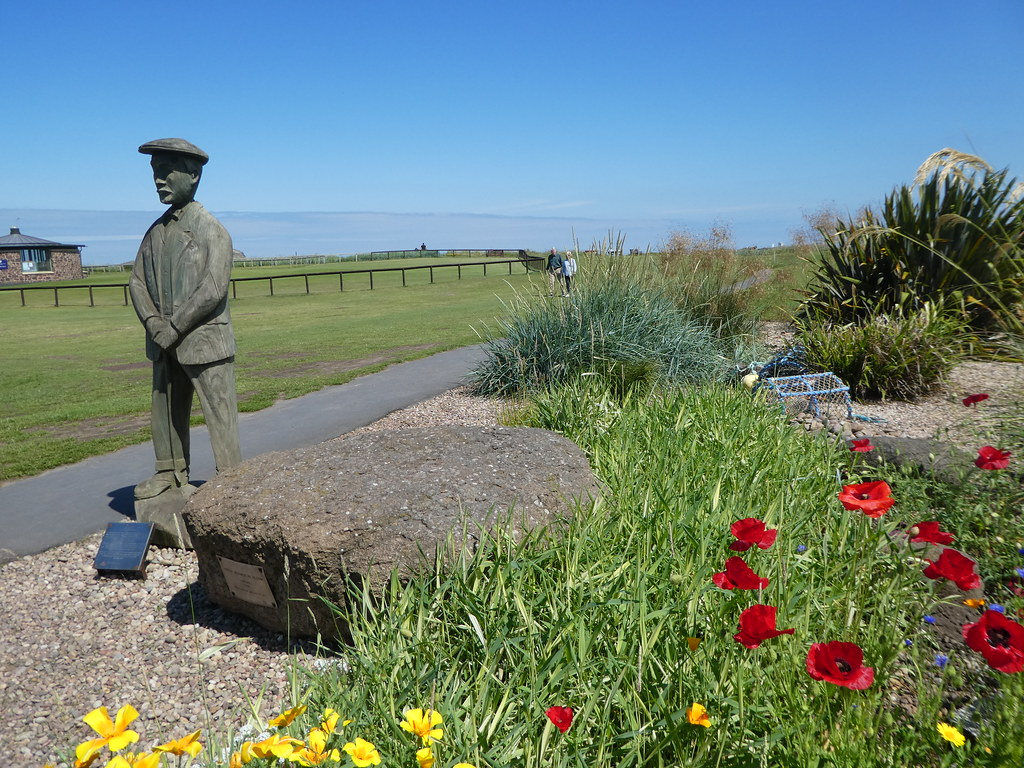 Statue of Ben Sayers at North Berwick Golf Course