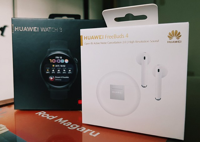 Huawei Watch 3 and Huawei FreeBuds 4 Blog unboxing