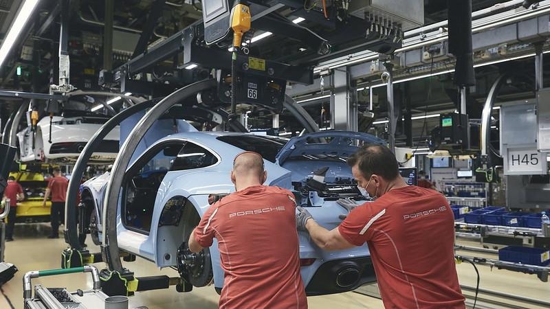 Porsche-911-Turbo-S-Pedro-Rodriguez (6)