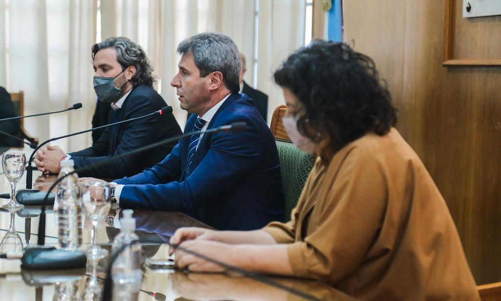 2021-07-29 PRENSA: la ministro Vizzotti y Santiago Cafiero, junto a Sergio Uñac Brindaron una conferencia de prensa