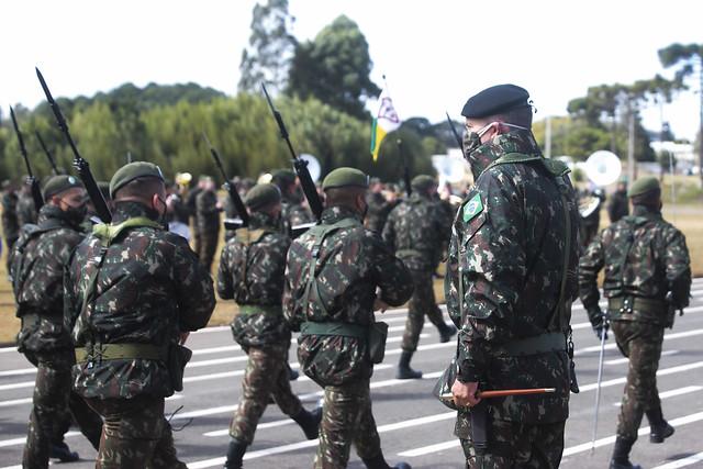 Transmissão do cargo de Comandante da 5ª Divisão do Exército