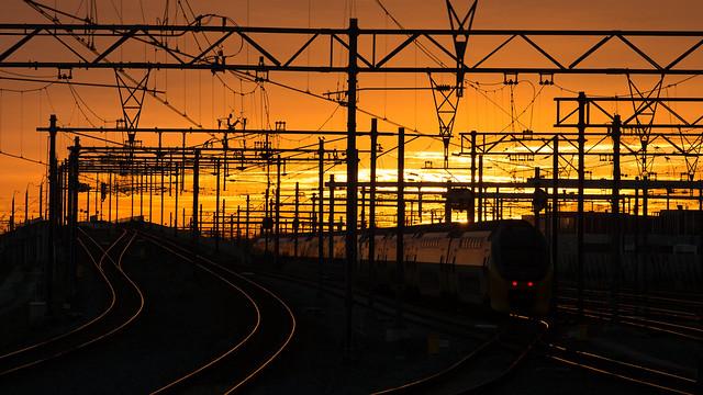 Komen of gaan van treinen in Hoofddorp?