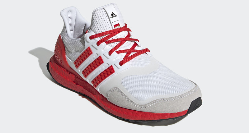 adidas_Ultraboost_DNA_x_LEGO(r)_Colors_Shoes_White_H67955_04_standard