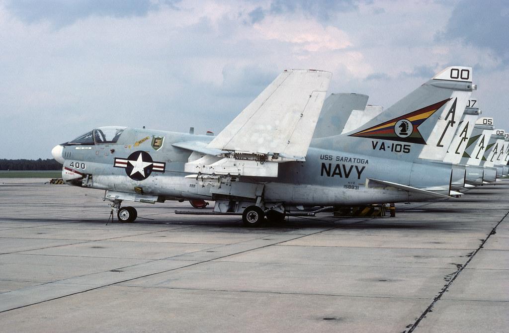 LTV A-7E Corsair II 158831 AC400 VA-105 30-09-76