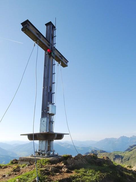 Gipfel mit Gipfelkreuz Stuckkogel 1.888 m. Kitzbüheler Alpen, Tirol, Österreich.