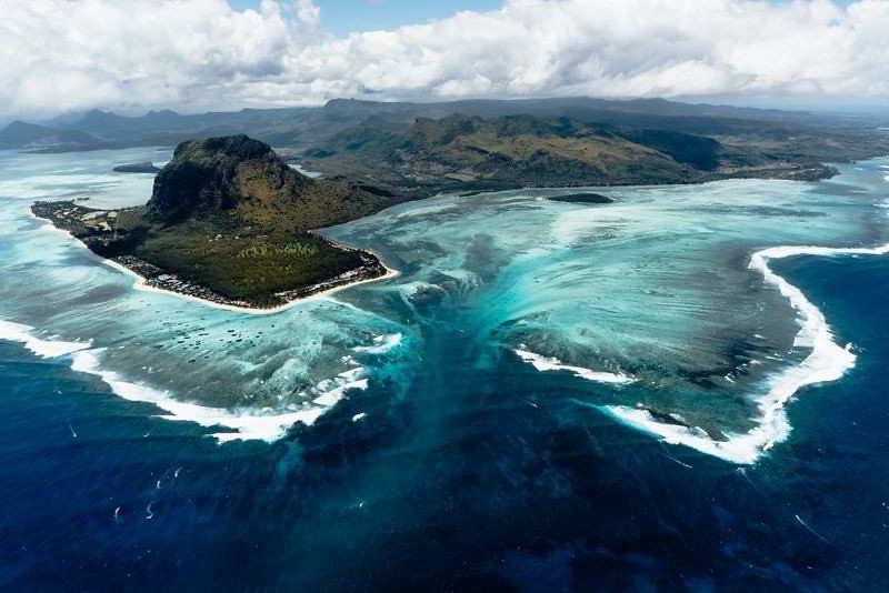 Cascada submarina Mauricio