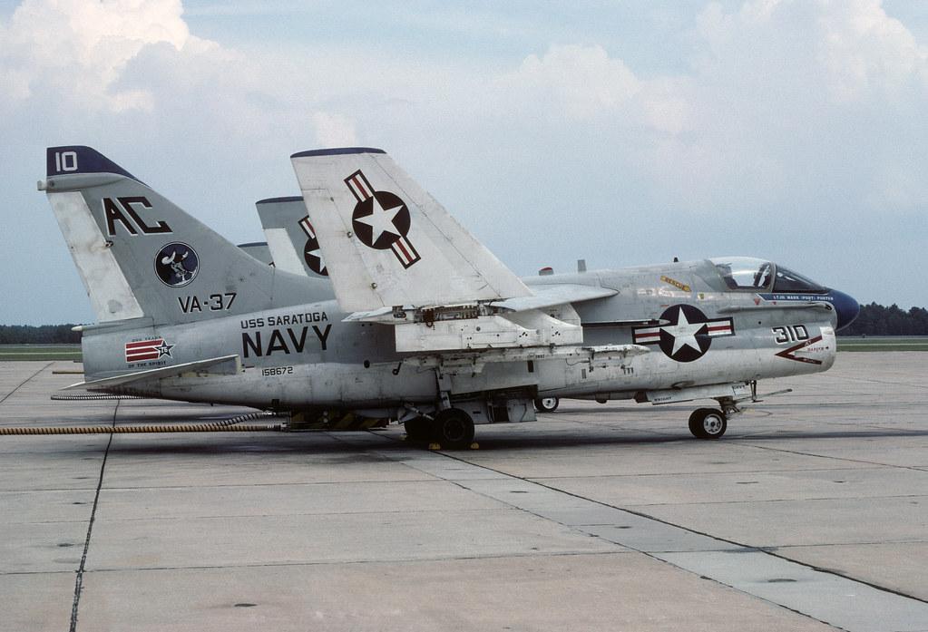 LTV A-7E Corsair II 158672 AC310 VA-37 30-09-76