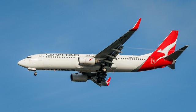 Qantas 737 VH-VZI