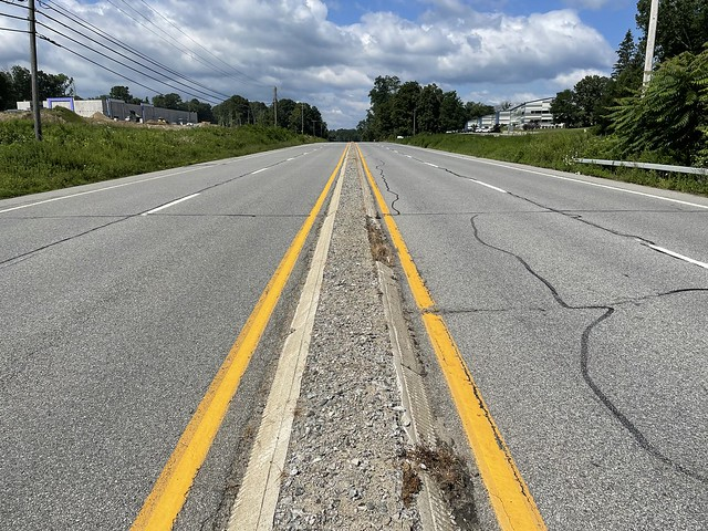 Original median of US-6 and US-202. Brewster, NY. The concrete lanes were repaved with asphalt around 2000.