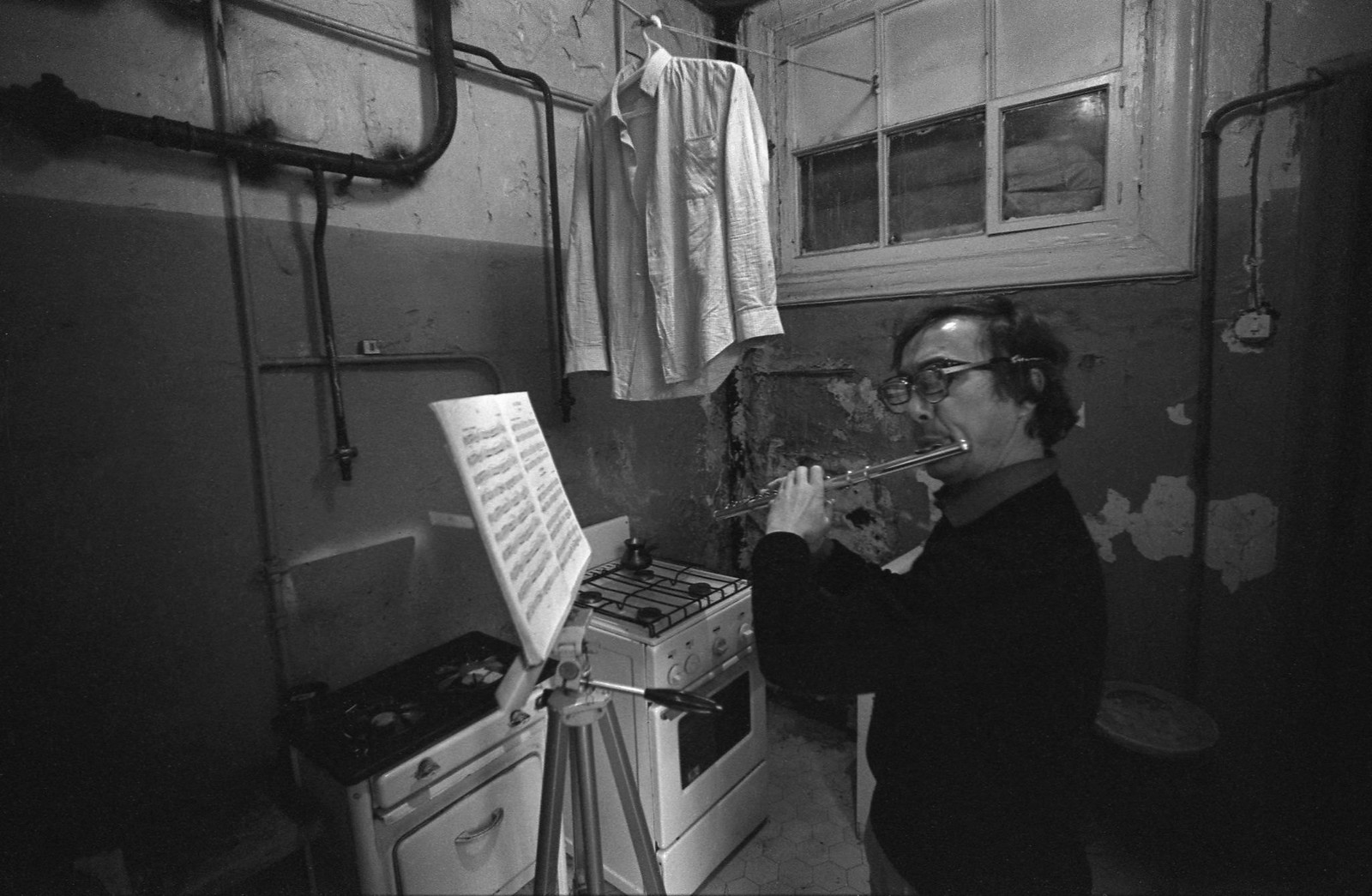 1984. Фотограф Олег Макаров и его флейта