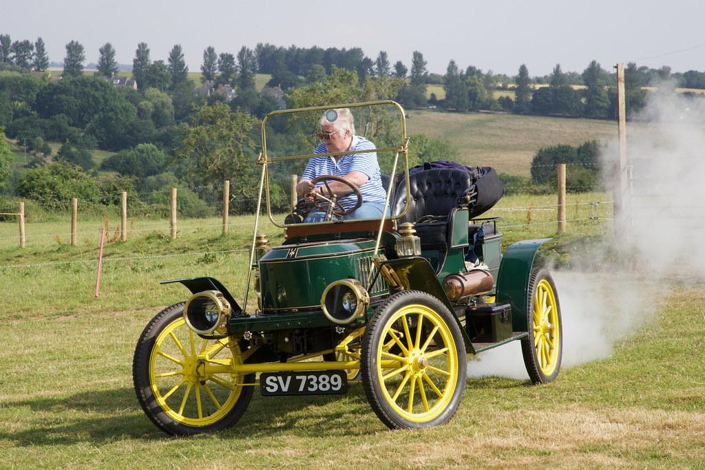 Stanley steam car (1909)
