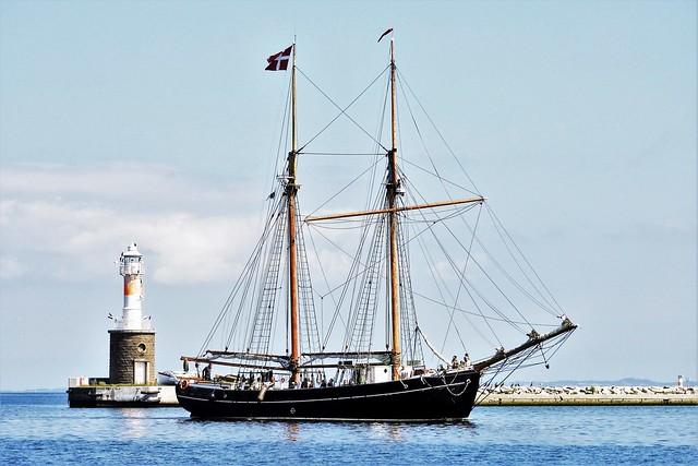 schooner entering harbour