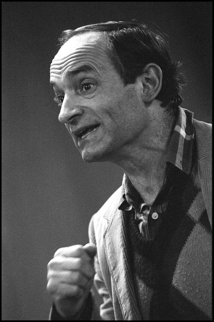 1983. Актёр театра и кино, театральный режиссёр, поэт и писатель Валентин Гафт