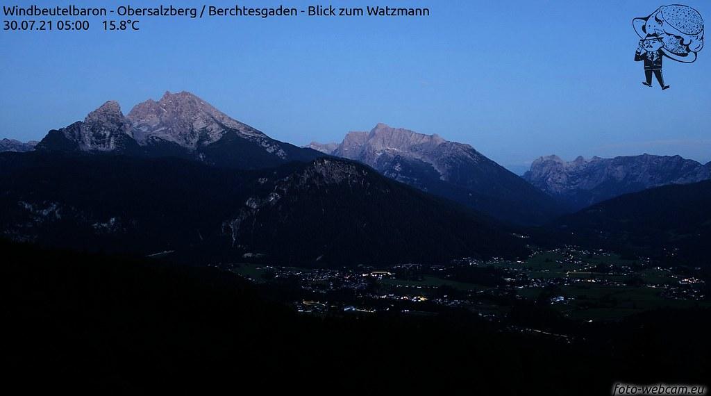 Moon on Watzmann