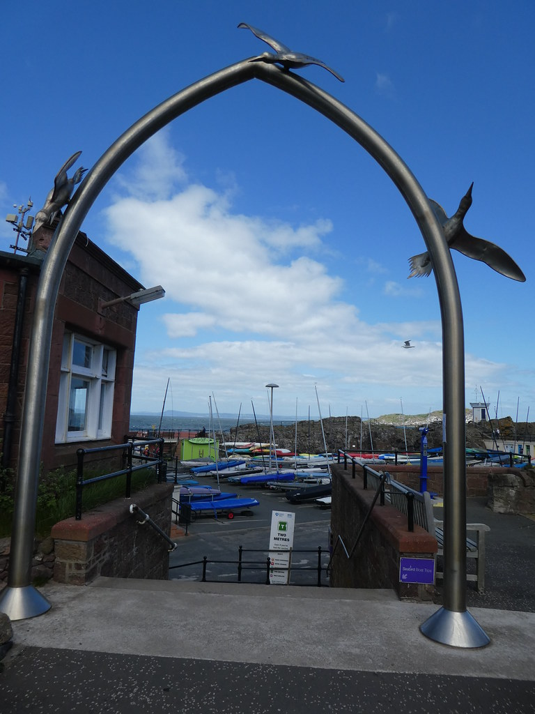 Entrance arch to North Berwick harbour