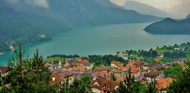 Italien, Italy, Blick auf den Molveno-See, es regnet, 79161/13888