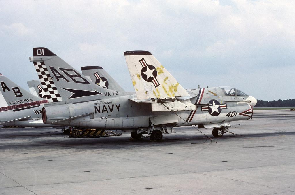 LTV A-7B Corsair II 154551 AB401 VA-72 30-09-76
