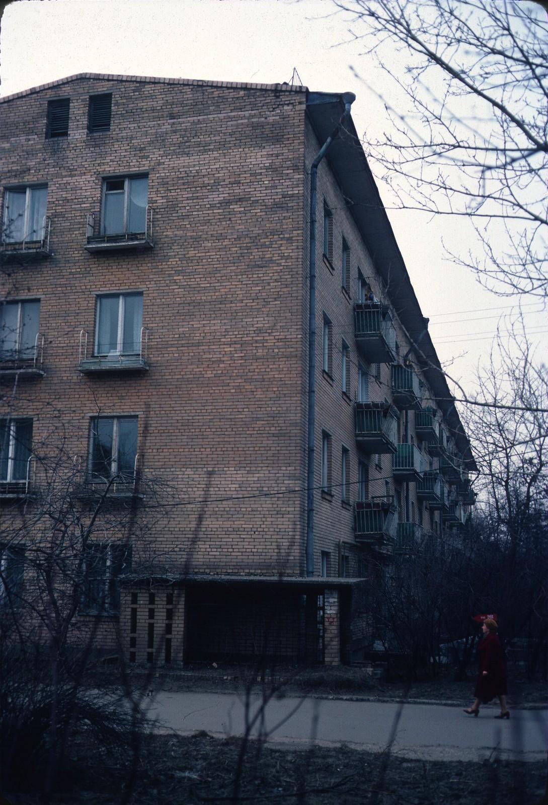 Ул. 60-летия Октября, 9