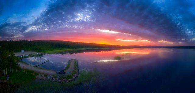 Lake Puolankajärvi sunrise