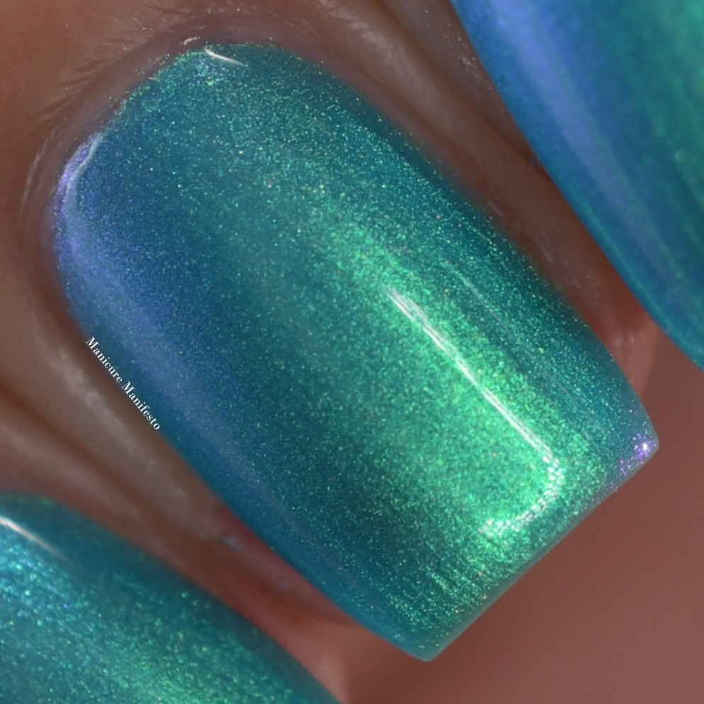 Girly Bits Facing Forward, Be Yourself swatch