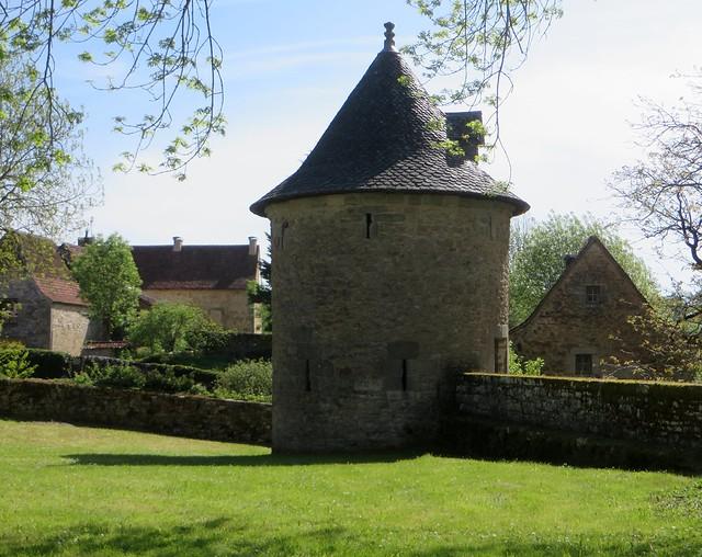 Ancienne cour intérieure, château de Galiot de Genouillac, XVIe siècle, Assier, Lot, Occitanie.