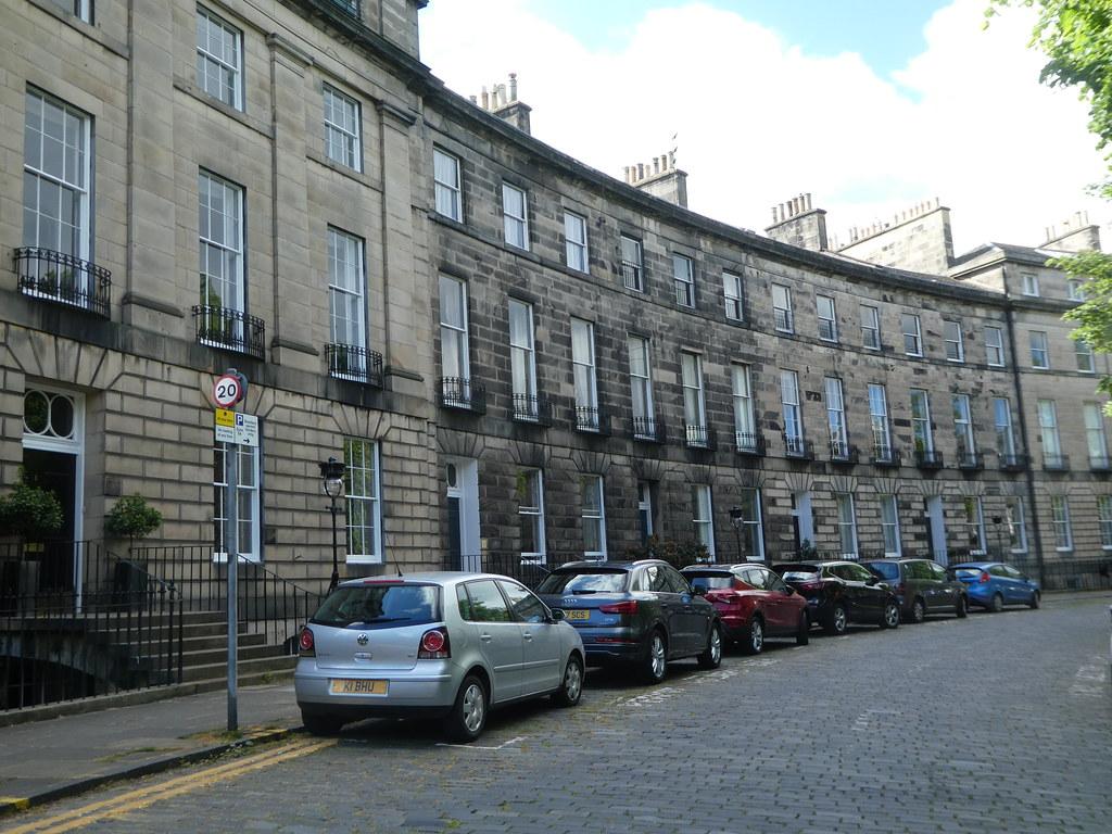 Georgian crescents in Edinburgh's new town