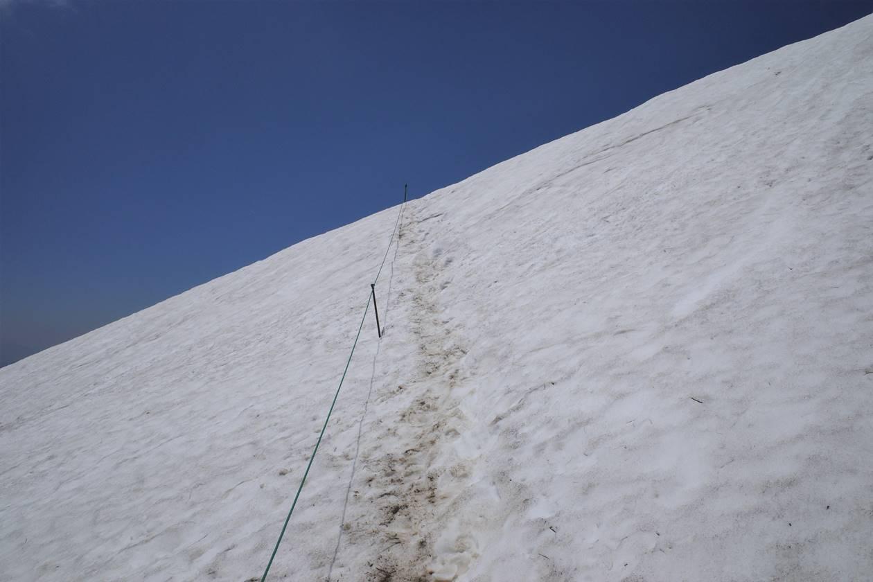 谷川岳 雪渓のトラバース
