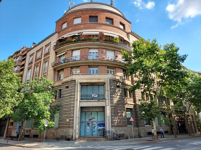 Cantonada bonica de Sabadell carrers la República i Narcís Giralt. Beautiful coner in Sabadell center, Narcís Giralt and República streets  Sabadell center. Catalunya , Catalonia.