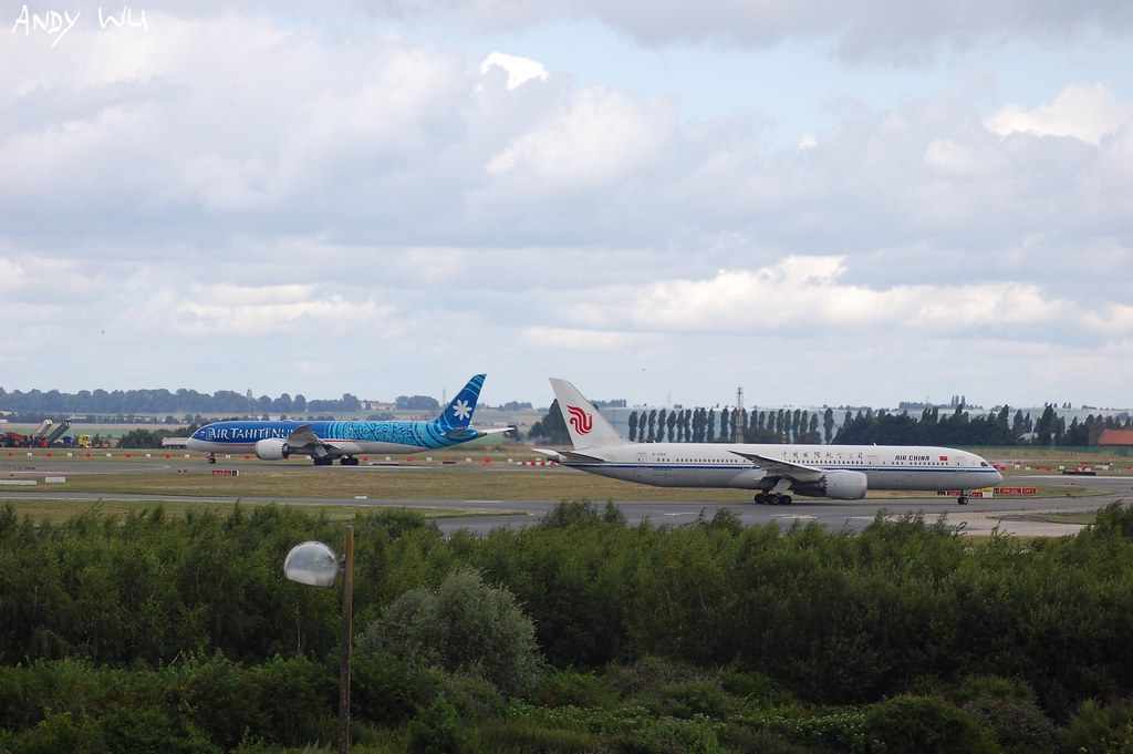 Boeing 787-9 Air Tahiti Nui And Boeing 787-9 CA (07/30/2021)