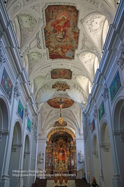 Würzburg, Neumünster interior