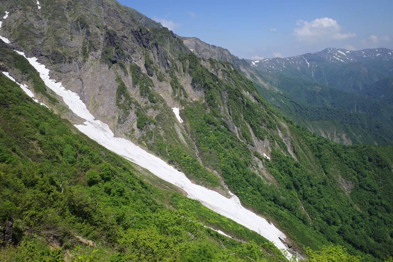 谷川岳・一ノ倉沢の雪渓