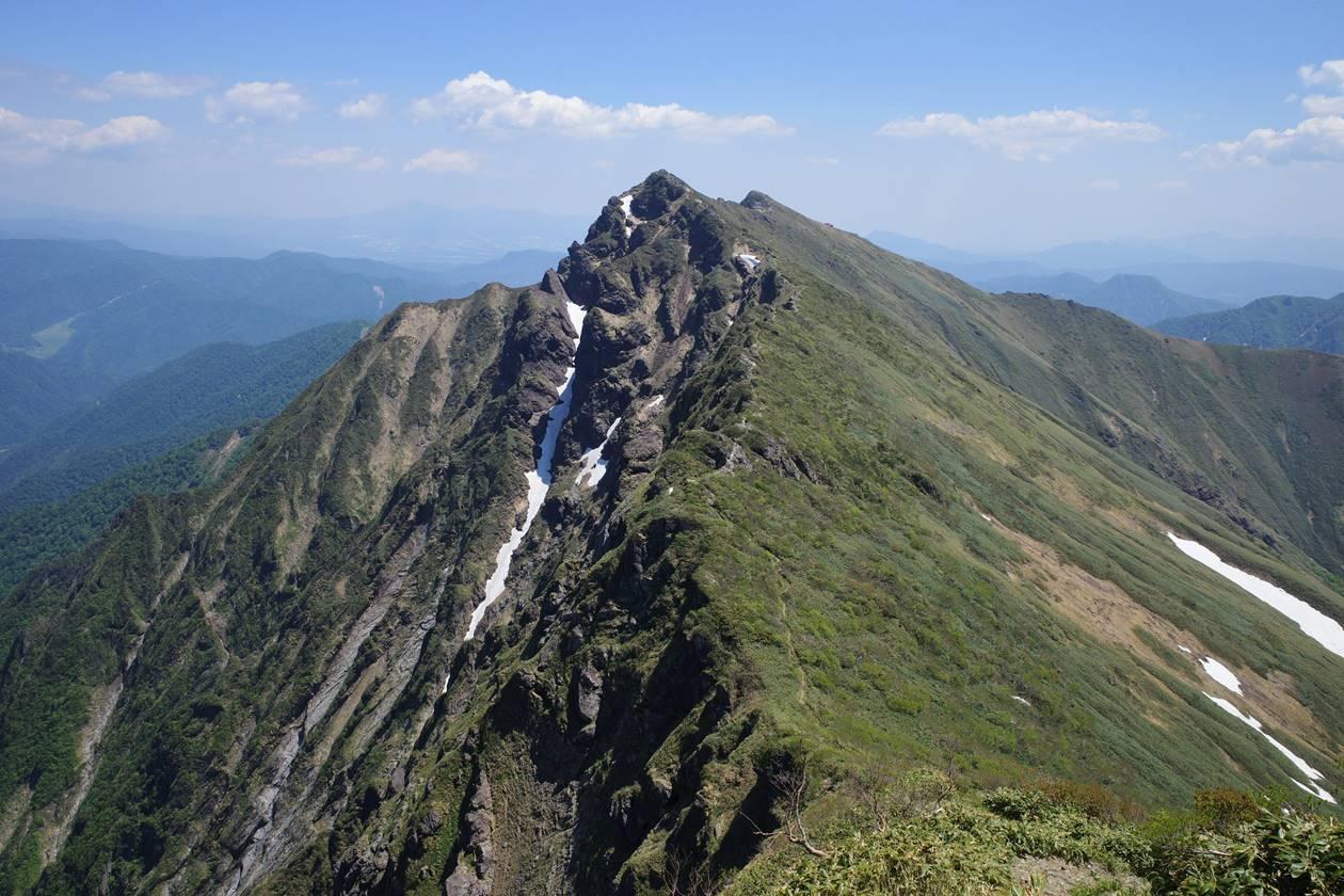 一ノ倉岳から眺める谷川岳