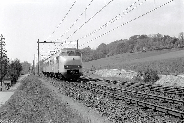Met mat. '64 door het Heuvelland