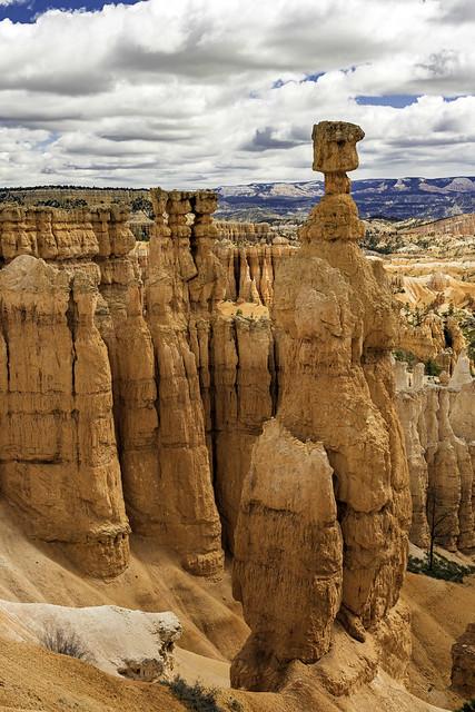 Thor's Hammer and Three sisters in the Navajo Loop Trail, Bryce Canyon NP, Utah