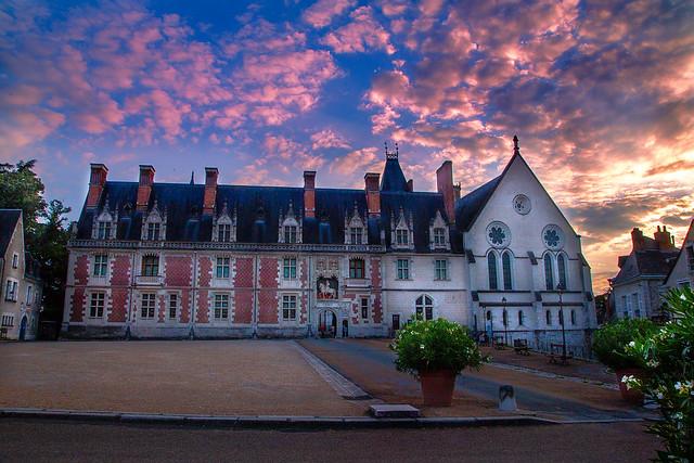 arrivée du soir sur le chateau de Blois
