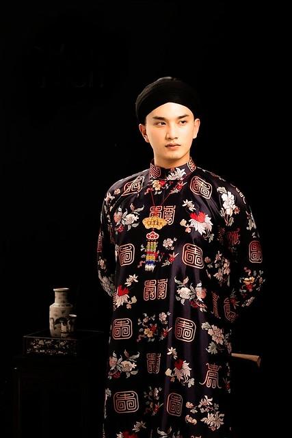 Áo dài - Vietnamese Traditional Long Dress